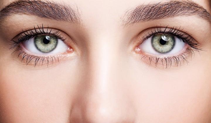 Augenbrauen-Haartransplantation